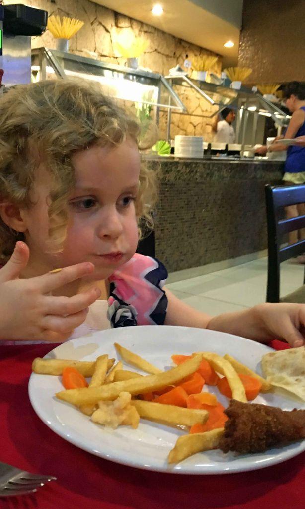 The La Ceiba buffet is a good choice for a basic kid-friendly restaurant in Playa del Carmen