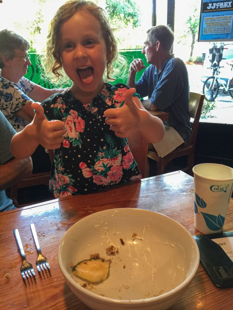 family road trip southern usa -  Wilmington, NC - Hummingbird cake at The Basics