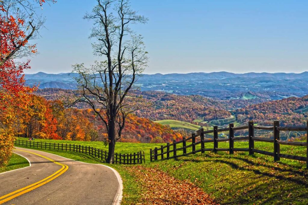Driving the Blue Ridge Parkway on a road trip to the Southern USA