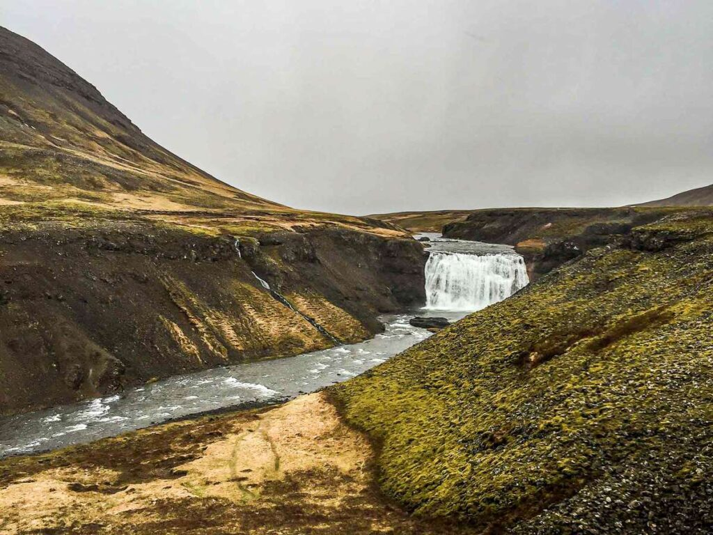 visit the golden circle iceland with kids - porufoss waterfall