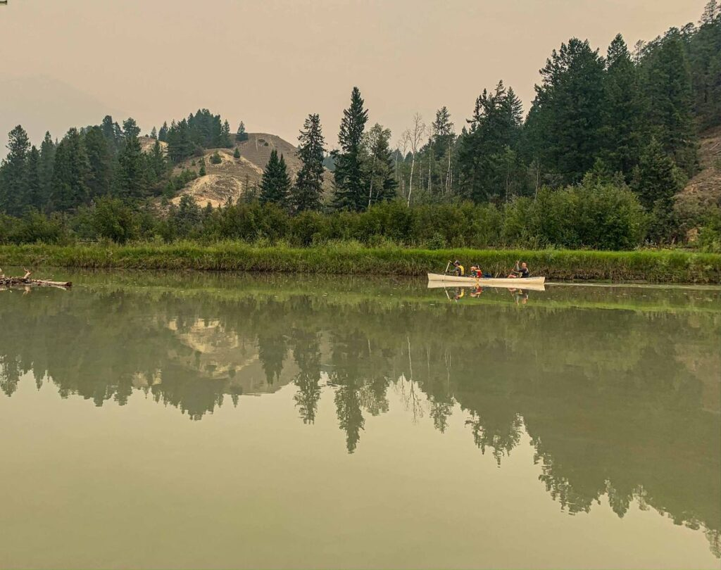 Family activities in Invermere - Canoe to Radium Hot Springs